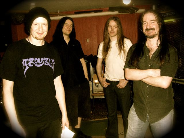 http://heavyrocknews.files.wordpress.com/2008/11/carcassband.jpg